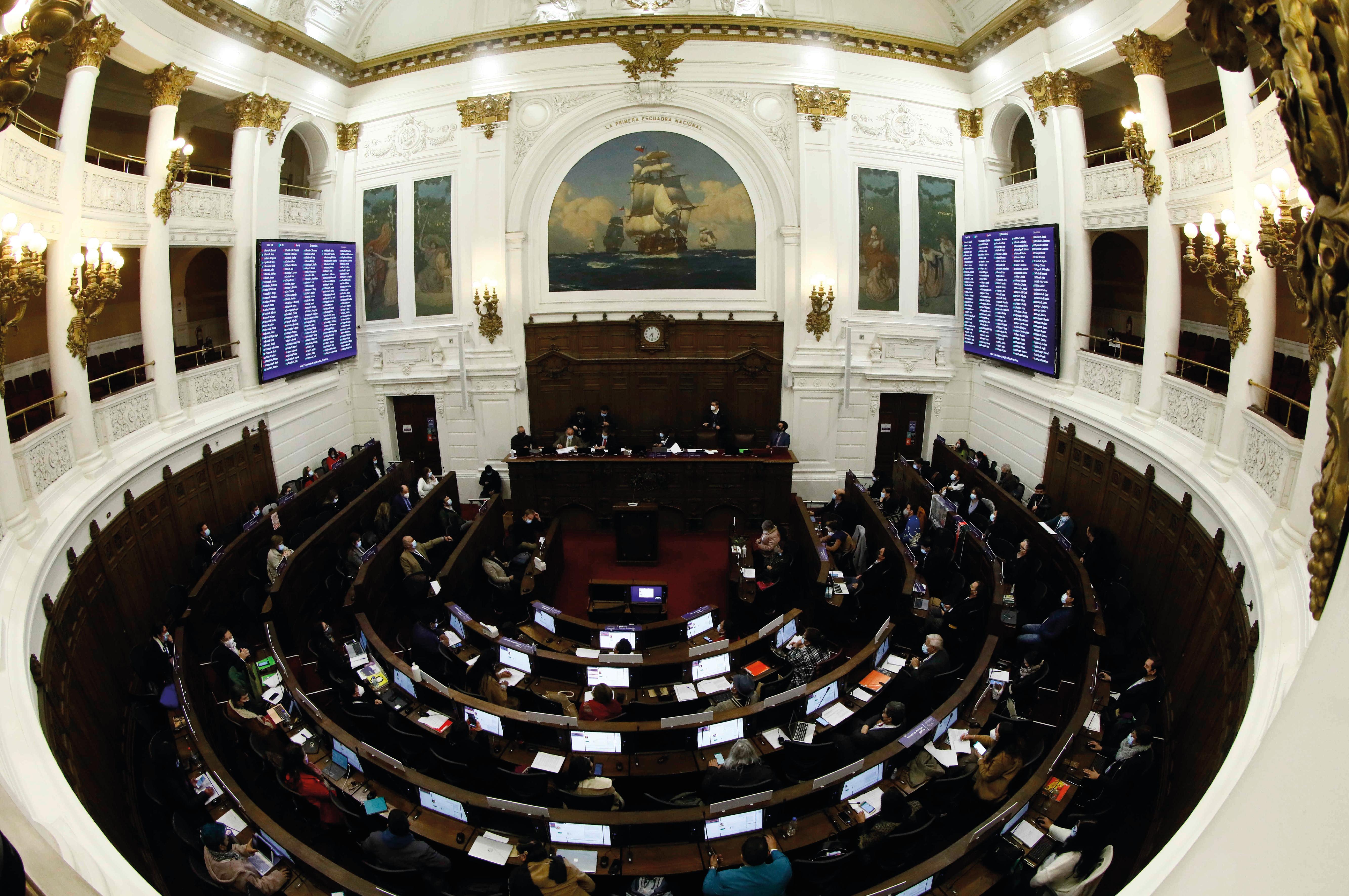 Convención aprueba normas básicas para su funcionamiento